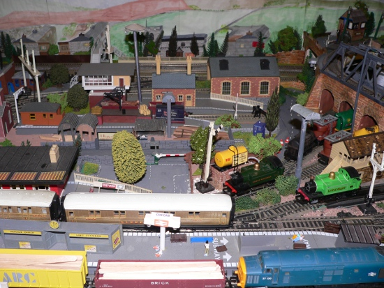 OO Gauge Model Train Industrial Scene